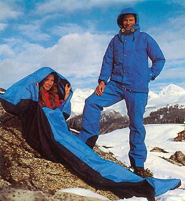 Die Alpinisten-Kollektion von Mammut aus dem Jahr 1981. Mit Schlafsack und Goretex-Anzug.