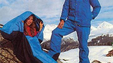 Die Alpinisten-Kollektion von Mammut aus dem Jahr 1981. Mit Schlafsack und Goretex-Anzug. (zvg)