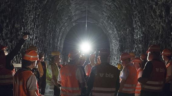 Besichtigung des Weissensteintunnels. (Keystone (Oberdorf, 6. Juli 2016))