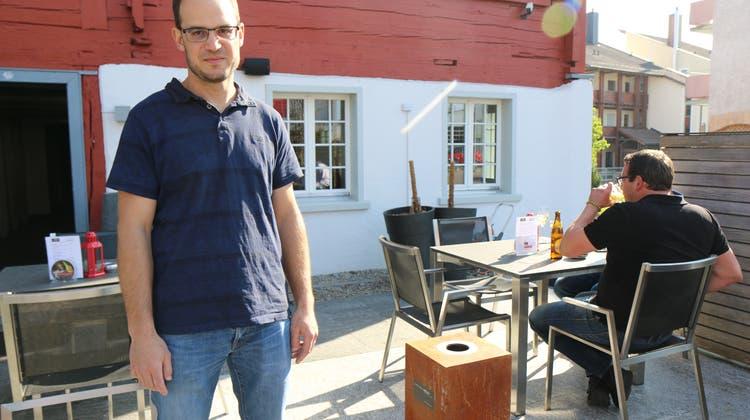 «Da hatten wir wenigstens Zeit, den Keller zu sanieren» Nathanael Graf, neuer Wirt im Rössli Schwarzenbach, blickt optimistisch in die Zukunft. (Bild: Pablo Rohner, 27.04.2021)