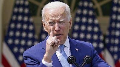 Hat in seinen ersten 100 Tagen im Amt überraschend vorwärts gemacht: Präsident Joe Biden. (Andrew Harnik / AP)
