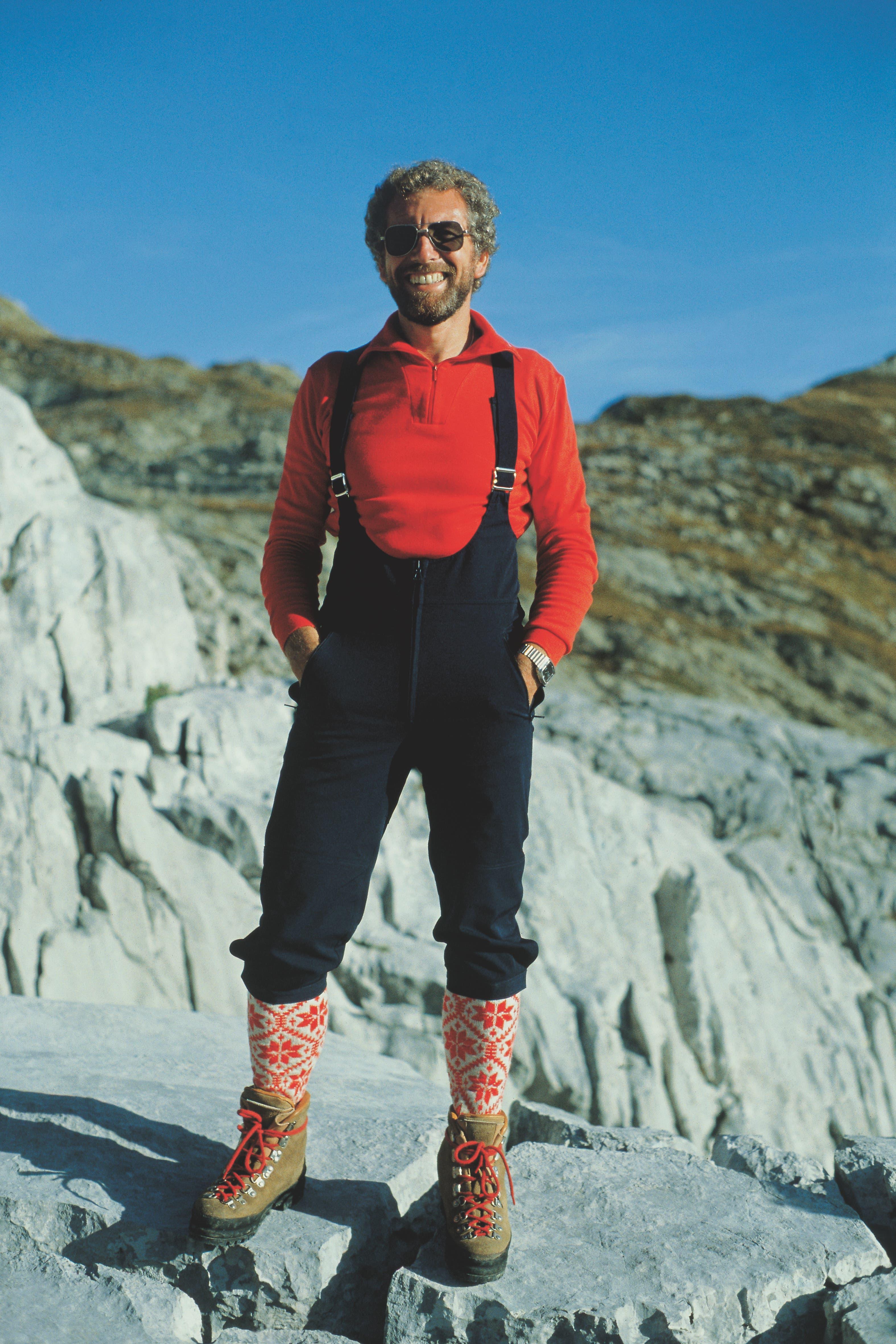 Albert Wenk präsentiert die Softshell-Hose von Mammut im Jahr 1984.