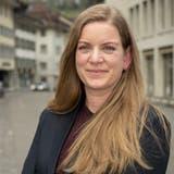 Seit fünf Monaten führt Claudia Fries die Sozialen Dienstleistungen Region Brugg. Im Hintergrund rechts der Standort des Gemeindeverbands. (Bild: Alex Spichale (22. April 2021))
