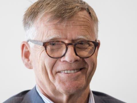 Peter Wanner führt die AZ Medien und CH Media als Verleger und Verwaltungsratspräsident. Mit dem Aktienrückkauf übernimmt seine Familie die AZ Medien zu 100 Prozent; den Minderheitsaktionären wurde ein Kaufangebot unterbreitet. Dies auch, um den Übergang zur fünften Generation zu vereinfachen. Die AZ Medien sind wie die NZZ-Gruppe zu 50 Prozent an CH Media beteiligt, die auch dieses Newsportal sowie weitere 80 Marken im Zeitungs-, Online-, Radio- und Fernsehgeschäft verantwortet.