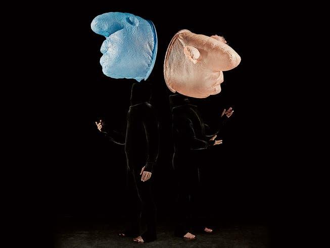 Das Jubiläumsprogramm «50 Years» von Mummenschanz überrascht mit neuen Figuren ganz in der Tradition dieser Theatertruppe.