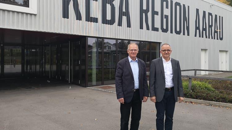 Daniel Lüscher, Präsident der Keba Region Aarau AG, im Bild zusammen mit dem Aarauer Stadtpräsident Hanspeter Hilfiker. (Urs Helbling (24.10.2019))