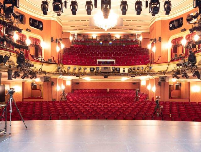 Das Zürcher Schauspielhaus ist eines der wichtigsten Baudenkmäler der Theatergeschichte – nun wird sein Abriss diskutiert