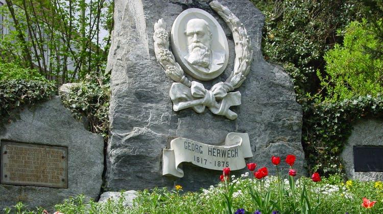 Seit 1904 erinnert in Liestal ein von Arbeiterorganisationen gestiftetes Denkmal an den Dichter Georg Herwegh (1817–1875). (Martin Stohler)
