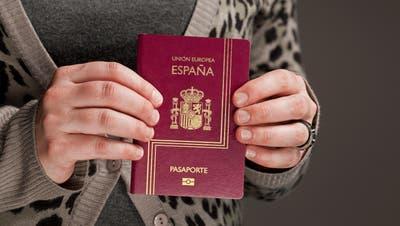 Abstimmen und Wählen mit ausländischem Pass: In Westschweizer Gemeinden ist das gang und gäbe. (Bild: Gaetan Bally / KEYSTONE)