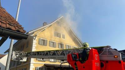Nach dem Brand ist die Wohnung vorerst unbewohnbar. (Kapo AG)