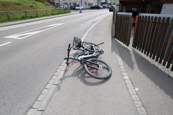 Das E-Bike der am Mittwochnachmittag auf der Oberstrasse in St.Gallen verunglückten Velofahrerin.