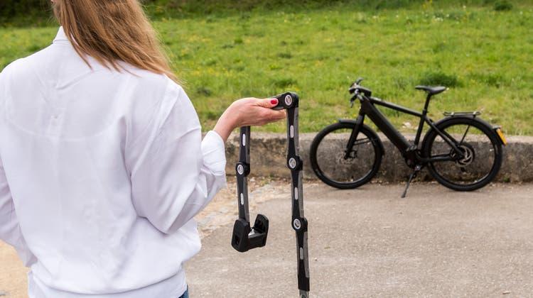 Mit diesem Schloss sicherte Carla B. aus Allschwil ihr E-Bike der Marke Stromer. Trotzdem wurde es gestohlen. (Nicole Nars-Zimmer)