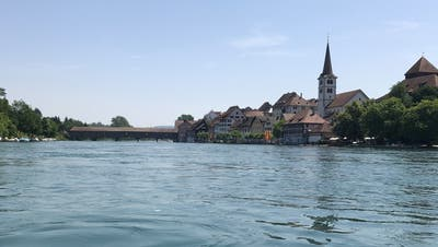 Im Rhein bei Diessenhofen wurde nach einer vermissten Taucherin gesucht. (Bild: pd)