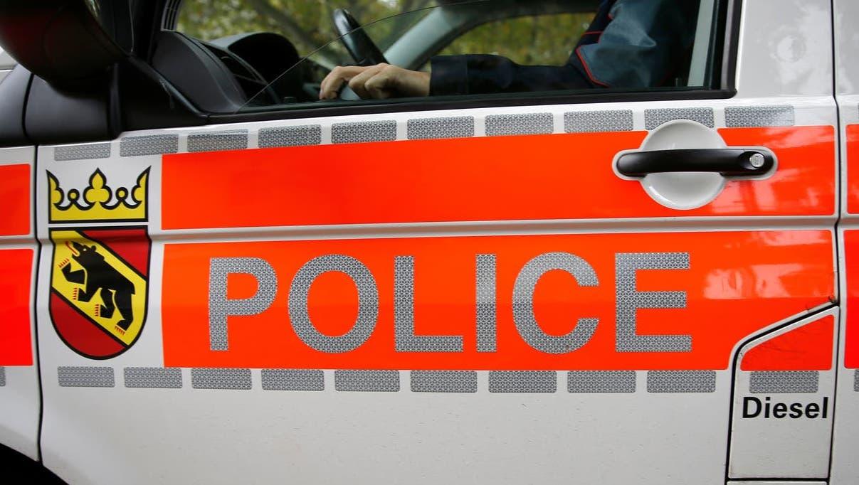 Die Kantonspolizei Bern musste die Verfolgung des flüchtigen Motorrads aus Sicherheitsgründen abbrechen. (Keystone)