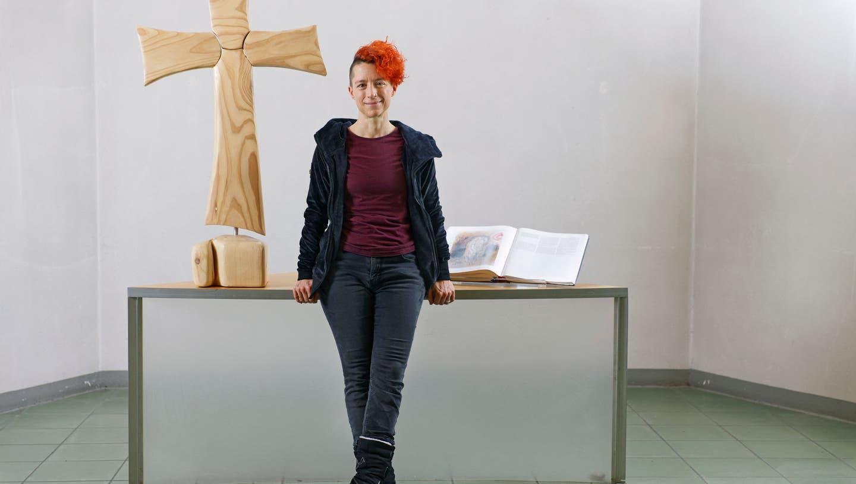 Corinne Dobler ist reformierte Pfarrerin und setzt sich dafür ein, dass das weibliche Prinzip mehr Bedeutung erhält. (Iris Krebs / Aargauer Zeitung)