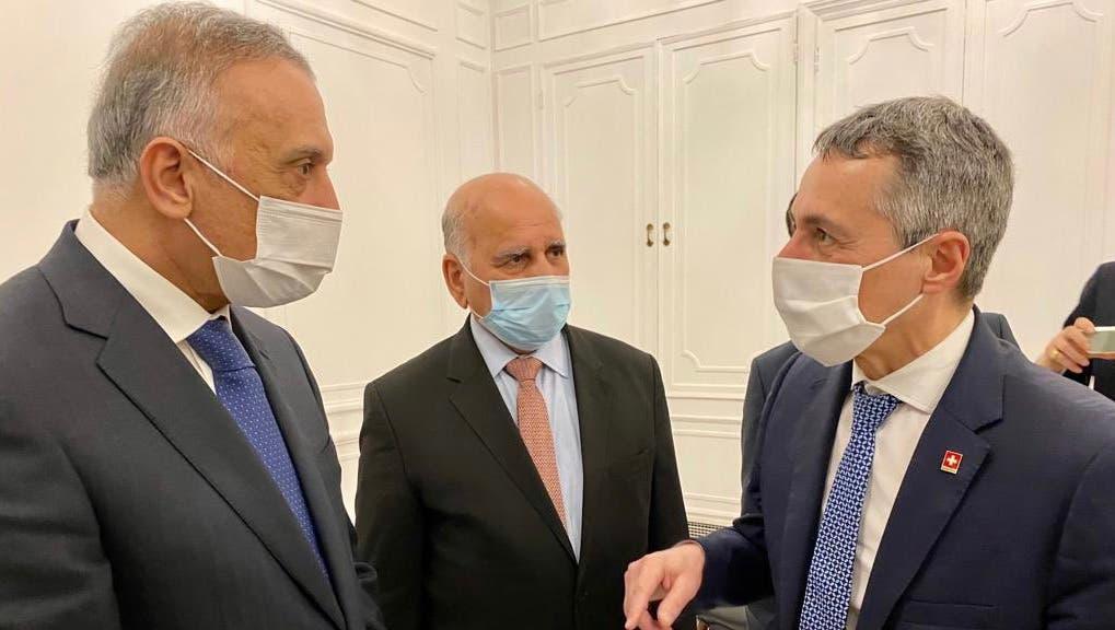 Ignazio Cassis (r. ) im Gespräch mit dem irakischen Premier Mustafa Al-Kadhimi und AussenministerFuad Hussein (v.l.). (zvg)