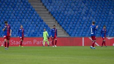 Ein neuer Tiefpunkt: Der FC Basel verliert im Joggeli gegen Aufsteiger Vaduz mit 1:2. (Patrick Straub / KEYSTONE)