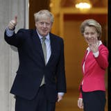 Geht doch! Am Ende einigten sich Grossbritannien und die EU auf einen Brexit-Deal, im Bild: Boris Johnson und Ursula von der Leyen. (Kirsty Wigglesworth / AP)