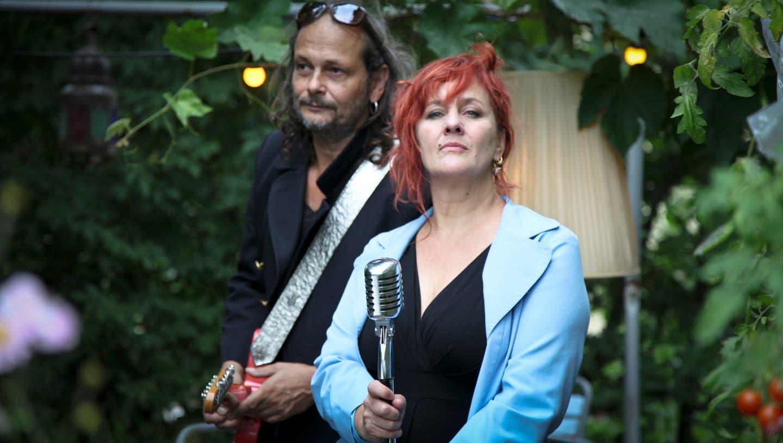 «The Lady sings the Blues» heisst das Projekt mit den Sängerinnen Gigi Moto (hier mit Jean-Pierre von Dach), (BRU)
