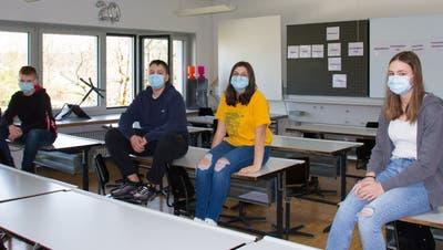 Schüler der S2c der Kreisschule Mutschellen suchen Schnupperlehrstellen, darunter Luca, Nico, Elisa und Liv (von links), alle 14 Jahre alt. (Verena Schmidtke)