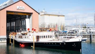 Die «Hohentwiel» verlässt die Werft in Romanshorn. (Bild: Kevin Roth)