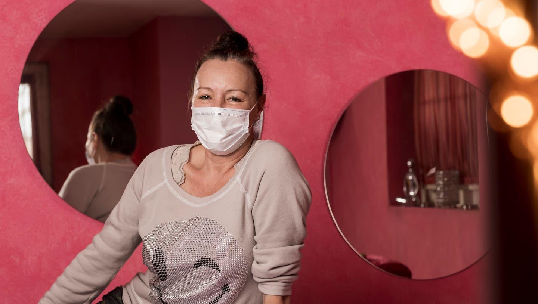 Seit über 20 Jahren führt Heidi die «Lustlaube» in Neuenhof. Weil Erotikbetriebe im Kanton nach wie vor geschlossen bleiben müssen, sind ihre Mitarbeiterinnen zwischenzeitlich ausgezogen. (Bild: Severin Bigler)