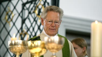 Hans Küng 2008 bei einem Gottesdienst in der Pfarrkirche Sursee. (Bild: Archiv LZ)