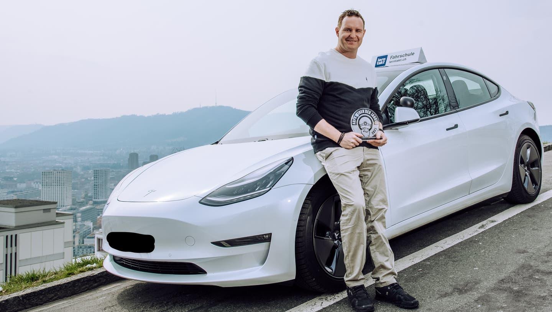 Fahrlehrer Mauro Grossmann aus Weiningen wurde zum Aufsteiger des Jahres 2021 gewählt. (zvg)