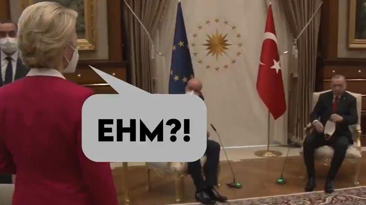Da fehlt ein Stuhl: EU-Ratspräsident Charles Michel (links), Recep Tayyip Erdogan und Kommissionspräsidentin Ursula von der Leyen. (Keystone)