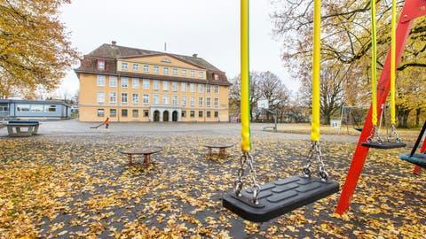 Auch die Eltern der Jungen und Mädchen, die im Schulhaus Fuchsrain zur Schule gehen, wurden in die Befragung einbezogen. (Claudio Thoma)