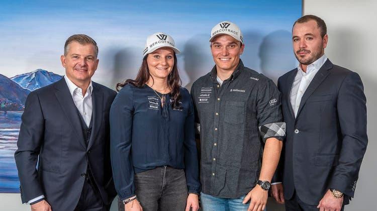 Werco Trade sponsert verschiedener Talente aus dem alpinen Skirennsport wie die Geschwister Carole und Semyel Bissig (in der Mitte). Links Werco-Trade-CEOMarco Wermelinger, rechtsCOOMichael Müller. (Bild: PD)
