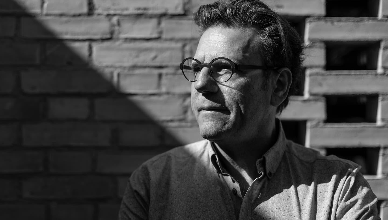 Licht und Schatten: Pfarrer Andreas Haas erzählt von lichtvollen Momenten, die es in der Sterbebegleitung und bei der Trauerarbeit auch gibt. (Bilder: Dominik Wunderli (Littau, 24. März 2021))