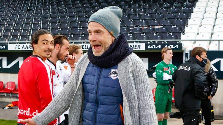 Zwei wegweisende Spiele, zwei Siege: FCA-Trainer Stephan Keller hat nach den Ostertagen Grund zum Jubeln. (Marc Schumacher / freshfocus)