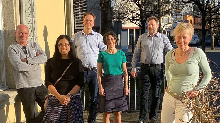Die Grünliberalen steigen ins Rennen mit (von links): Markus Lang, Silvia Lewdeni-Schmid, Adriaan M. Kerkhoven, Colette Degrandi, Hörby Künzi sowie Alexandra Schiller. (zvg)