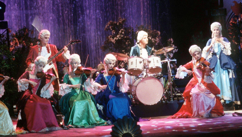 Das Kammerorchester Rondo Veneziano hatte den «Sound der Klassik» in den 1980er-Jahren poppig perfektioniert. Höchste Zeit für SRF2-Kultur, die revolutionäre Band auszugraben. (United Archives / Kpa / imago)