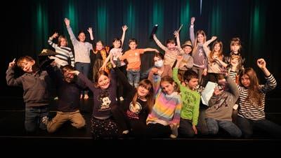 Die Gruppe Spiel-Garten durfte ihre Aufführung im Fabriggli in Buchs nicht vor Publikum aufführen. Doch der Videodrehwar ein Erlebnis für alle und entschädigt für das Verpasste. (Bild: PD)