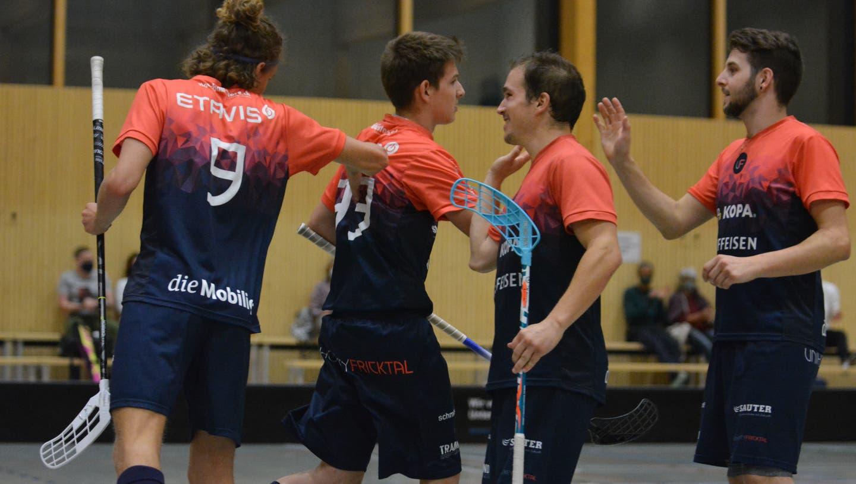 Anfang Oktober durften die Spieler von Unihockey Fricktal noch gemeinsam jubeln – wenig später wurde die Saison unterbrochen. (Zvg / Aargauer Zeitung)