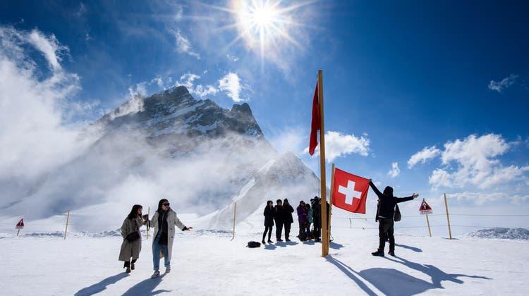 Zu schaffen machten den Jungfraubahnen vor allem das Wegbleiben asiatischer Touristen. (Keystone)