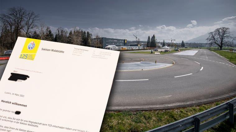 TCS-Trainingsstrecke in Emmen. Hier trainieren Neulenker im Rahmen des WAB-Kurses die Autofahrt bei anspruchsvollen Bedingungen. (Pius Amrein)