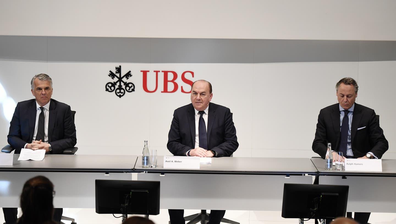 Verwaltungsratspräsident Axel Weber (links) und CEO Ralph Hamers bei einer Pressekonferenz in Zürich im Februar 2020. (Walter Bieri / KEYSTONE)