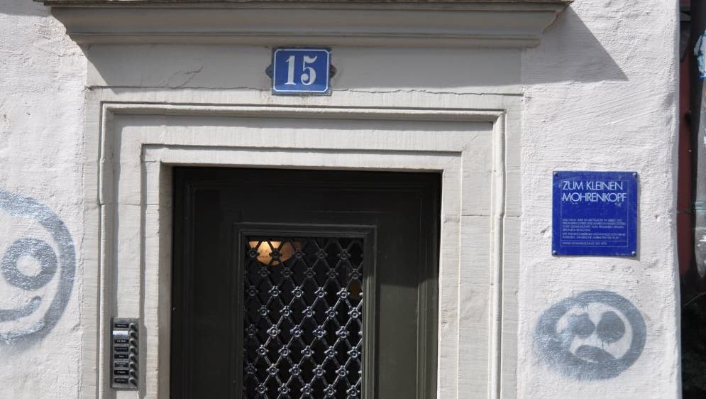 «Zum kleinen Mohrenkopf»: Diese Bezeichnung an der Predigergasse 15 im Niederdorf soll verschwinden. (zvg/Stadt Zürich)