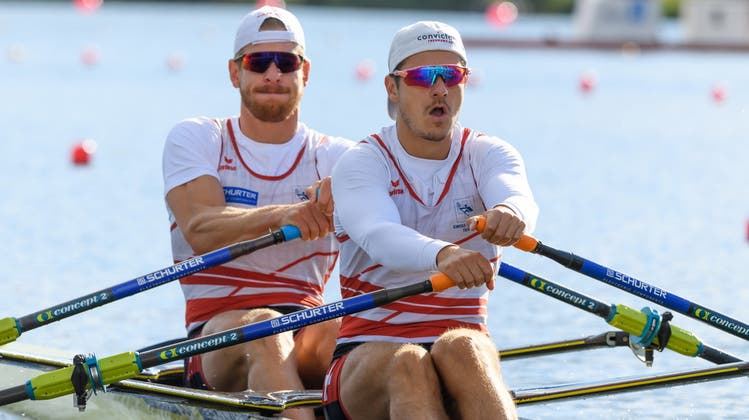 Gehören zu den weltschnellsten im Doppelzweier: Barnabé Delarze und Roman Röösli. (Bild: EPA)