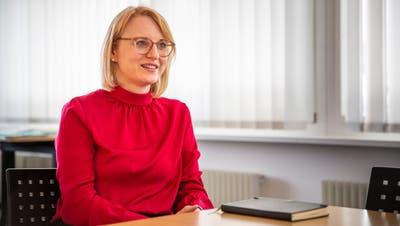 «Ich zähle die Arbeitsstunden nicht», sagt Martina Wäger. Sie sei sich strenge Tage als ehemalige Anwältin gewohnt. (Bild: Tobias Garcia (8. April 2021))