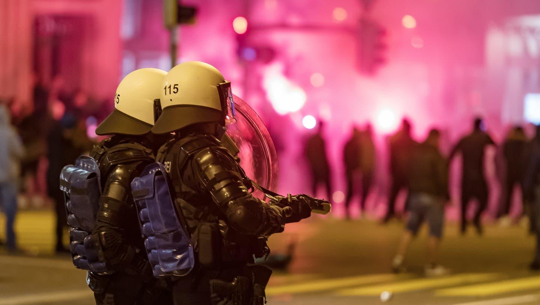 Krawalle in der St. Galler Innenstadt. Wegen erneuter Gewaltaufrufereagieren nun auch andere Polizeien. (Archivbild) (Michel Canonica / KEYSTONE)