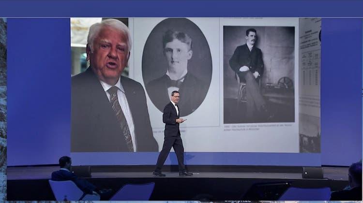 Für seinen Rückblick auf die Geschichte des Unternehmens wird der scheidende Verwaltungsratspräsident Otto H. Suhner per Video zugeschaltet. (Bild: zvg)