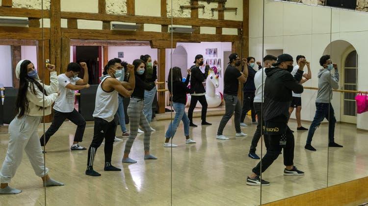 Das Soloturner Tanzprojekt «Lucky Star» beim proben. (Zvg / Solothurner Zeitung)