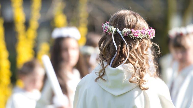 Die Erstkommunionkinderwerden in diesem Jahr in einem kleineren Rahmen feiern. (Symbolbild: Maria Schmid (Baar, 8. April 2018))