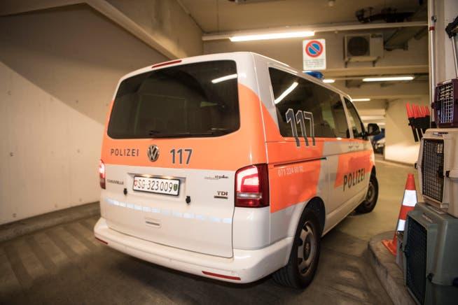Die St.Galler Stadtpolizei musste am Freitag zweimal wegen renitenter, aggressiver Menschen ausrücken.