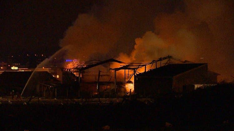 Es bestand Explosionsgefahr: In Gebäude mit Düngerlager kam es zu einem Grossbrand