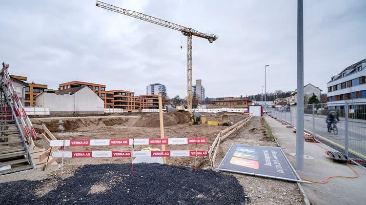 Keine einzige öffentliche Ausschreibung: WohnüberbauungSturzeneggerareal Allschwil, nahe Migros Paradies (Kenneth Nars/bz-Archiv)